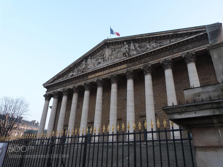 Devant l'Assemblée Nationale by Romain Galati (rgt26)) on 500px.com