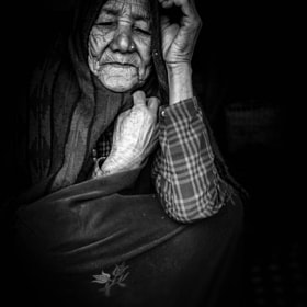 gurung old lady by enrico barletta
