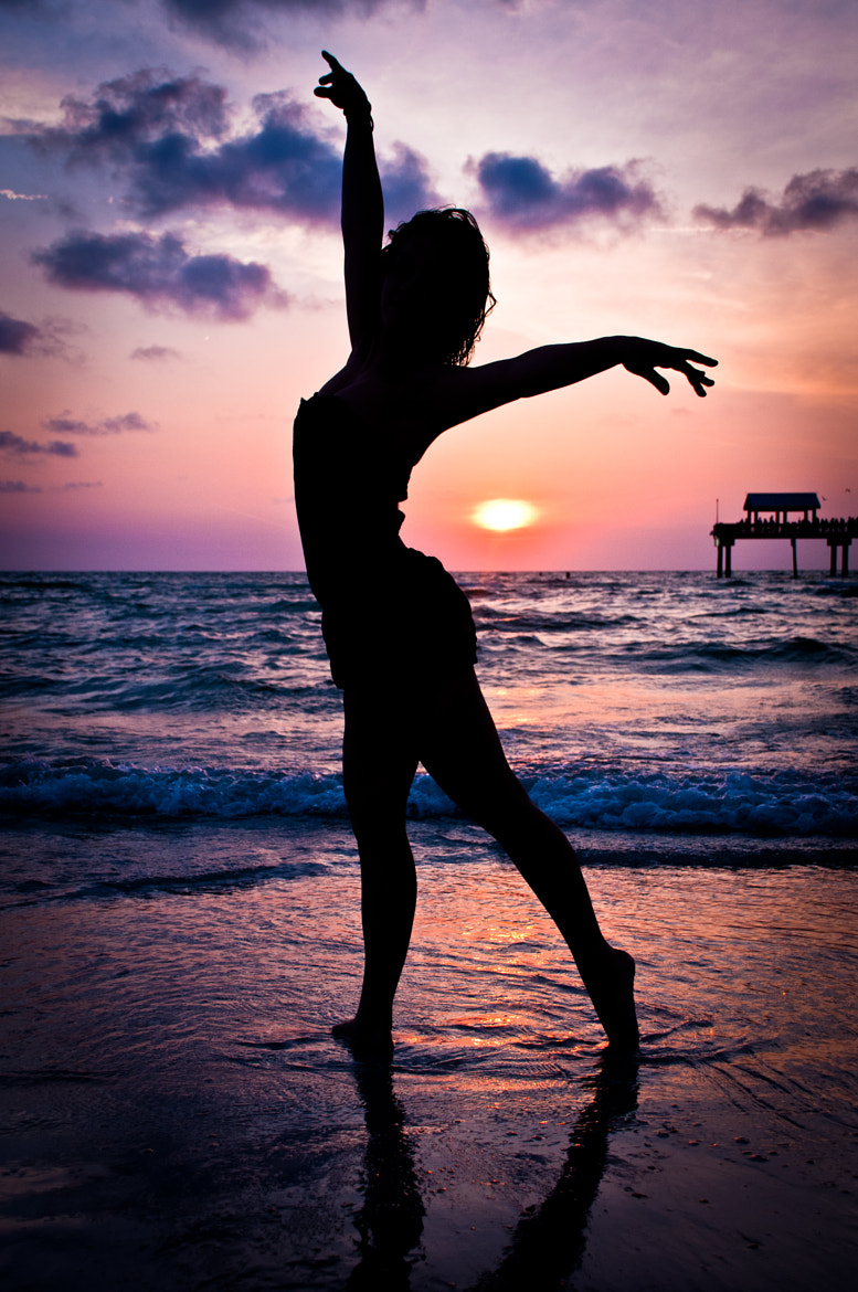 Photograph Dancing Silhouette by Eric Ortiz on 500px