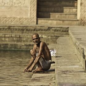 on stairs of Radha Kunda by Alexander Sidorenko (AlexanderSydorenko)) on 500px.com
