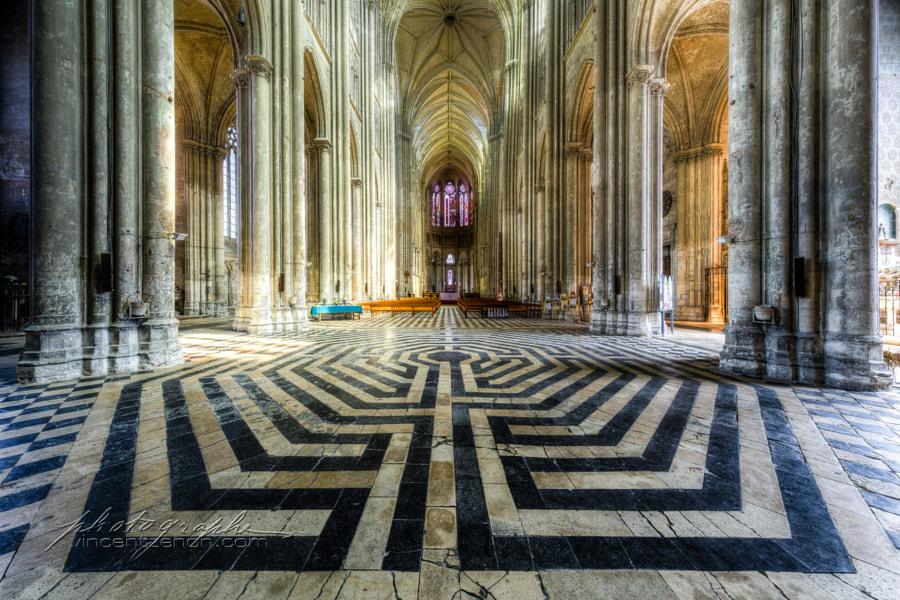 Labyrinthe de la Basilque de Saint-Quentin by Vincent Zénon Rigaud on 500px