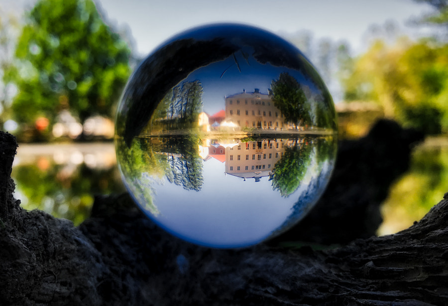 the world in a ball von dirk derbaum auf 500px.com