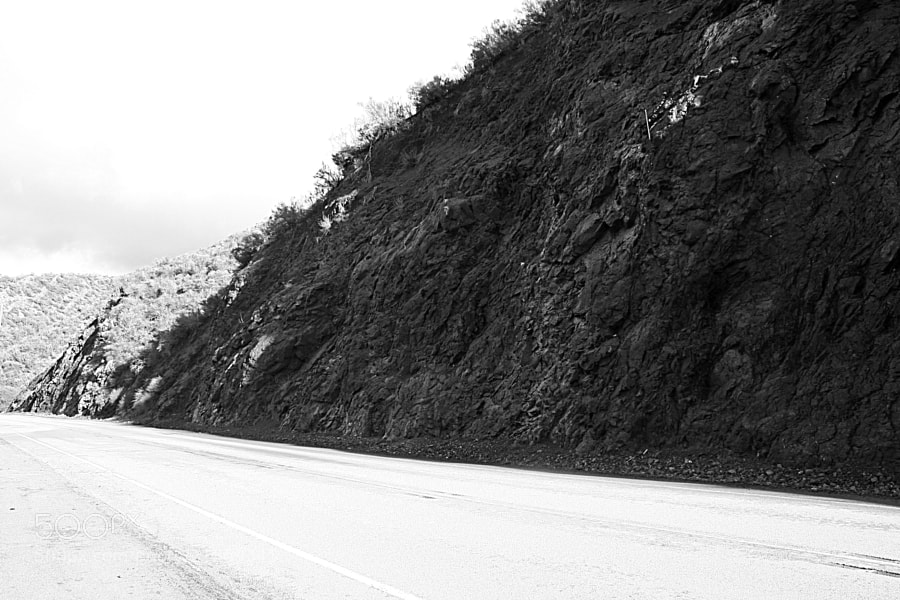 Open road on Mulholland Highway, Calabasas.