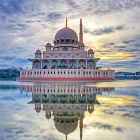 Putra Mosque by Kukoq Nyoq (KukoqNyoq)) on 500px.com