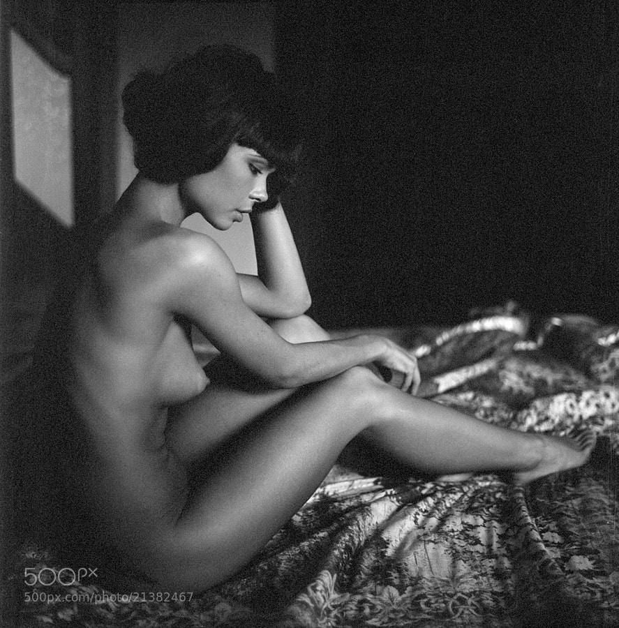nude photo - bedroom by Anna Shakina