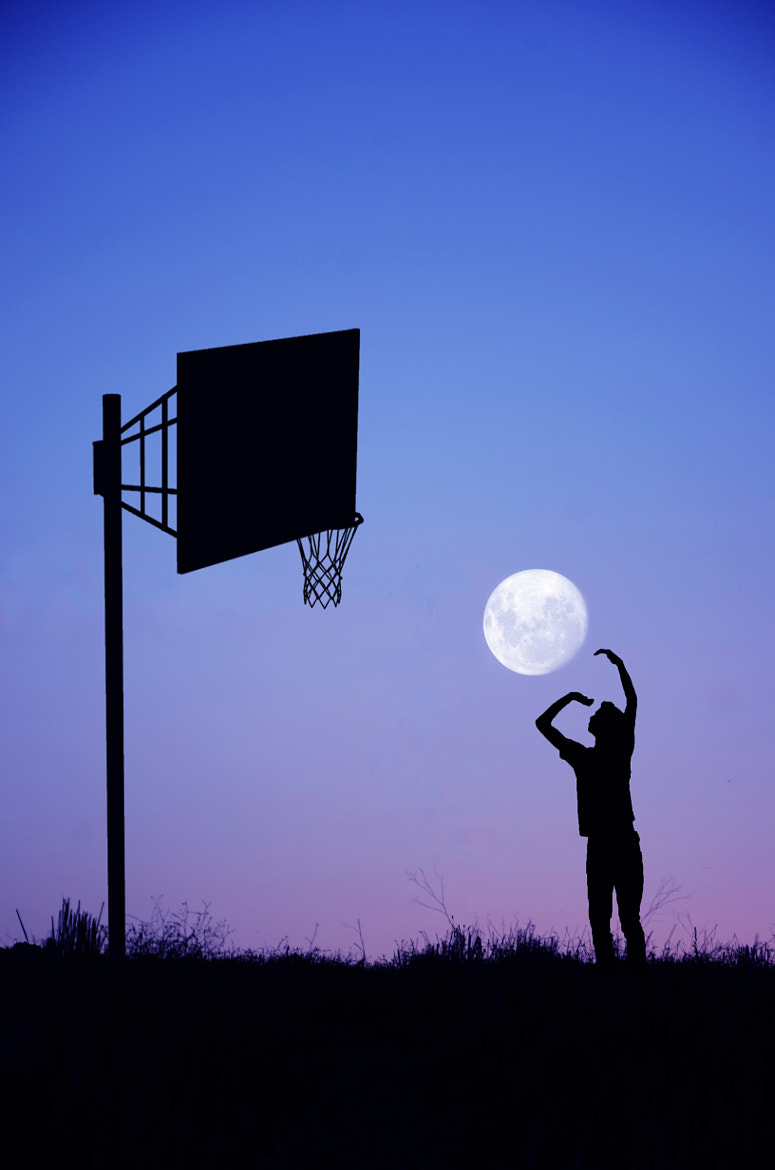 Photograph Moon Player by Adrian Limani on 500px
