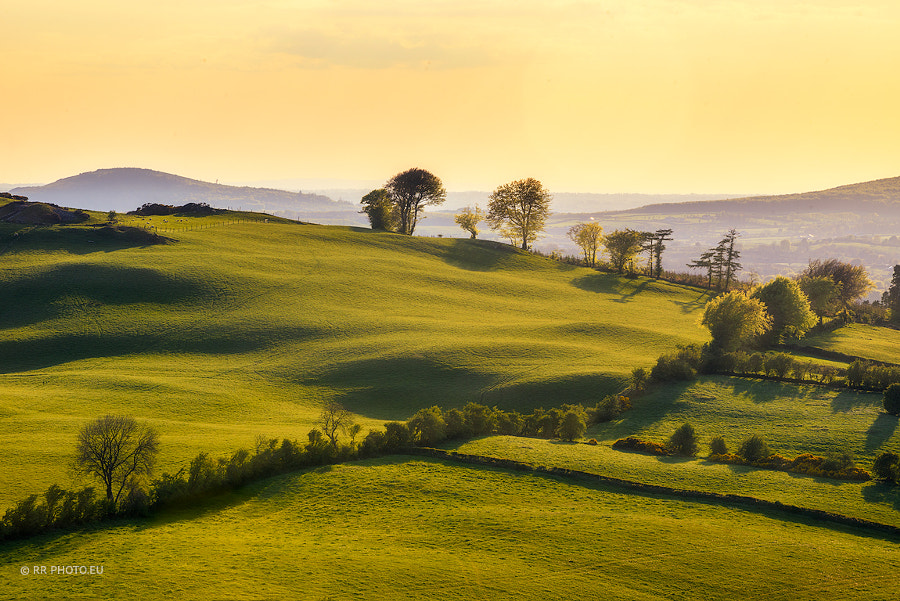 Green hills by Rafal Różalski on 500px.com