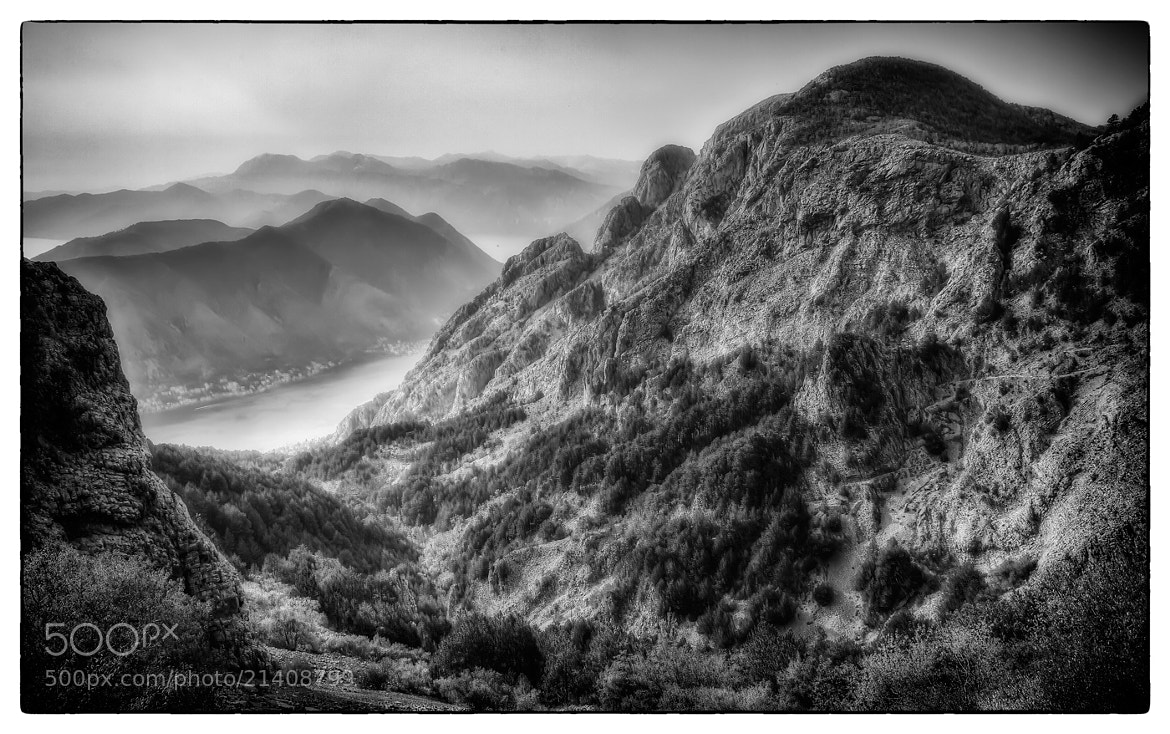 Photograph Simple black and white landscape by Sergey Shaposhnikov on 500px