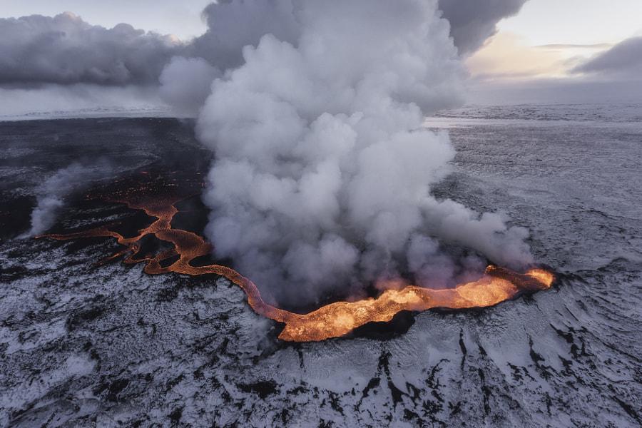 Islandia Panas oleh Iurie Belegurschi di 500px.com