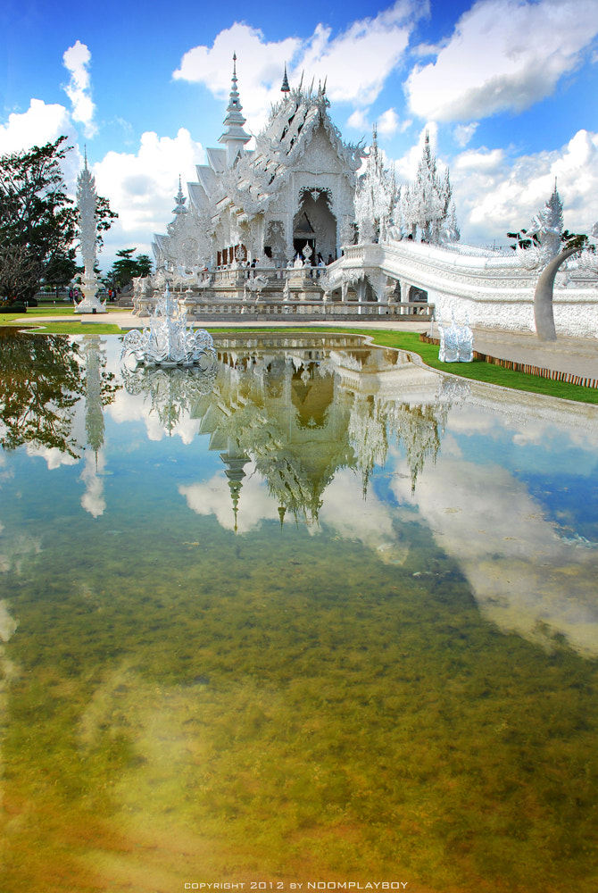 Photograph Wat Rong Khun @ Thailand : Chiang Rai by noomplayboy  on 500px