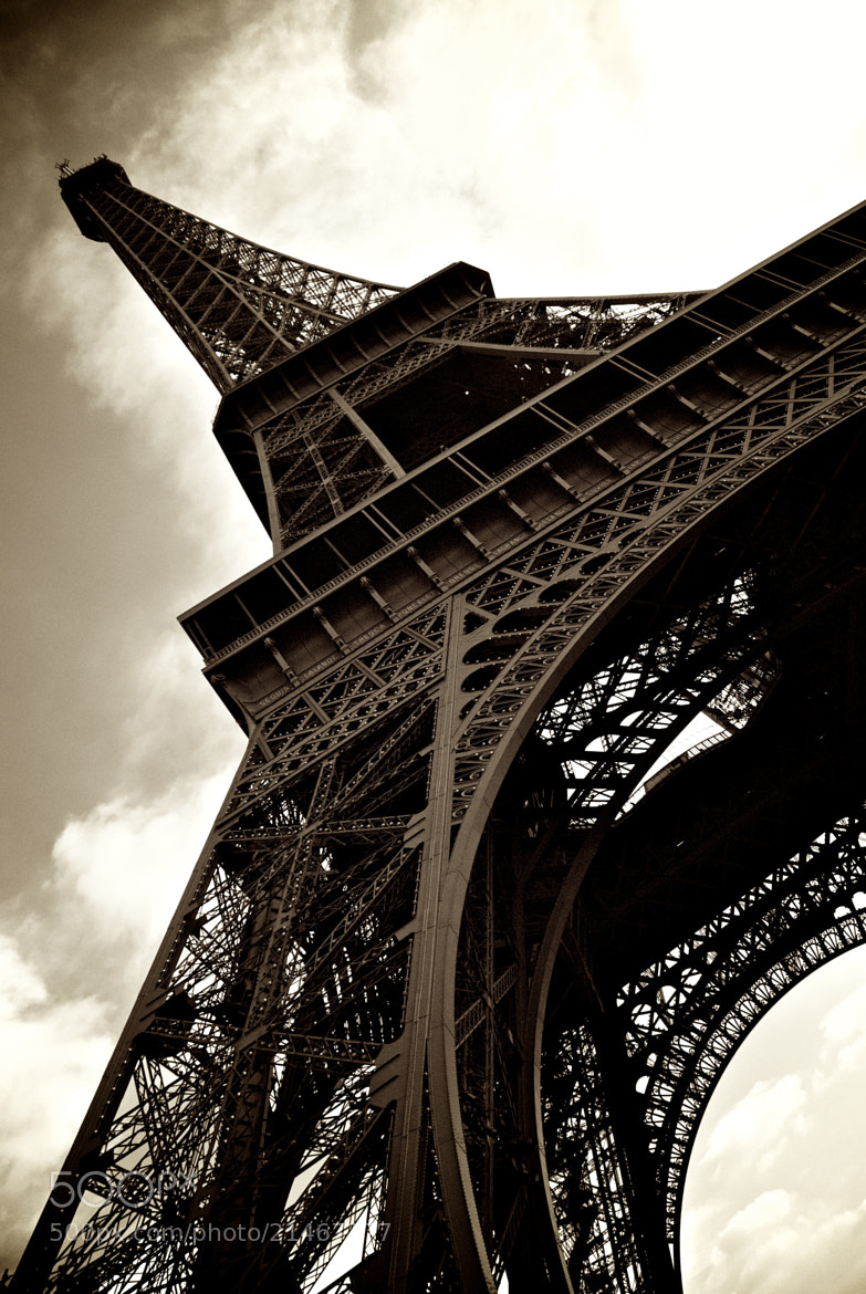 Photograph Eiffel Tower, Paris by Barrie Nightingale on 500px