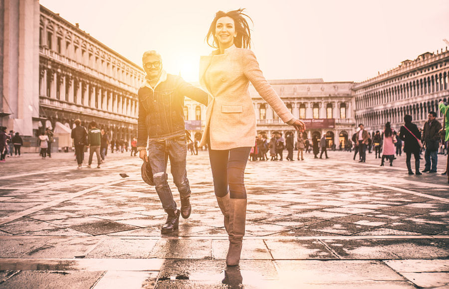 Happy couple on romantic holiday in Venezia by Cristian Negroni on 500px.com
