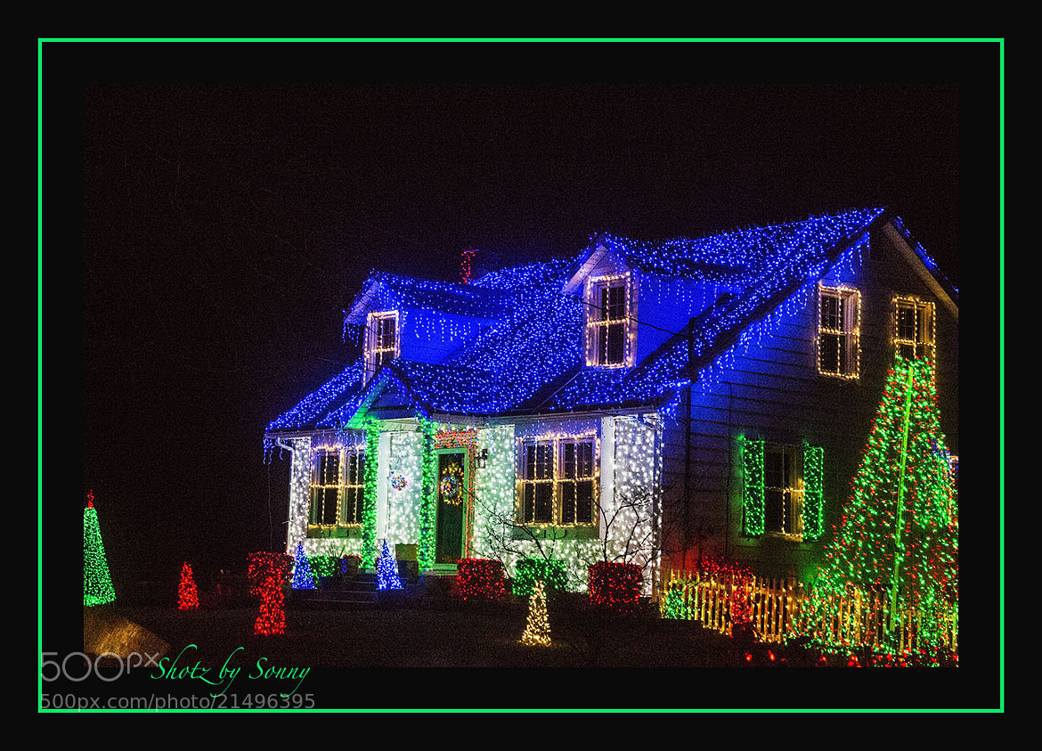 Photograph Christmas House. . . by Sonny Hamauchi on 500px
