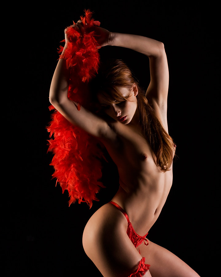 Dancing with red Boa