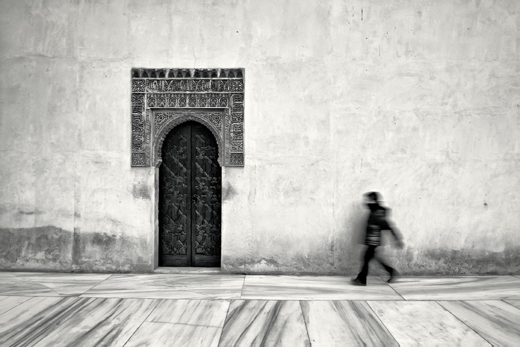 "Photograph El guardián de la puerta by David Olivar ""aviar"" on 500px"