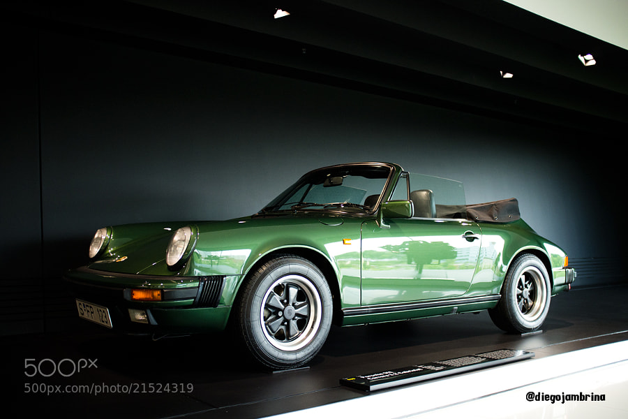 Porsche 911 Carrera, reflejo de poder by Diego Jambrina (Elhombredemackintosh)) on 500px.com