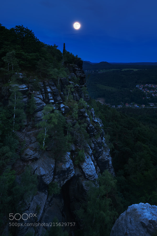 Moon above Lilienstein mountain