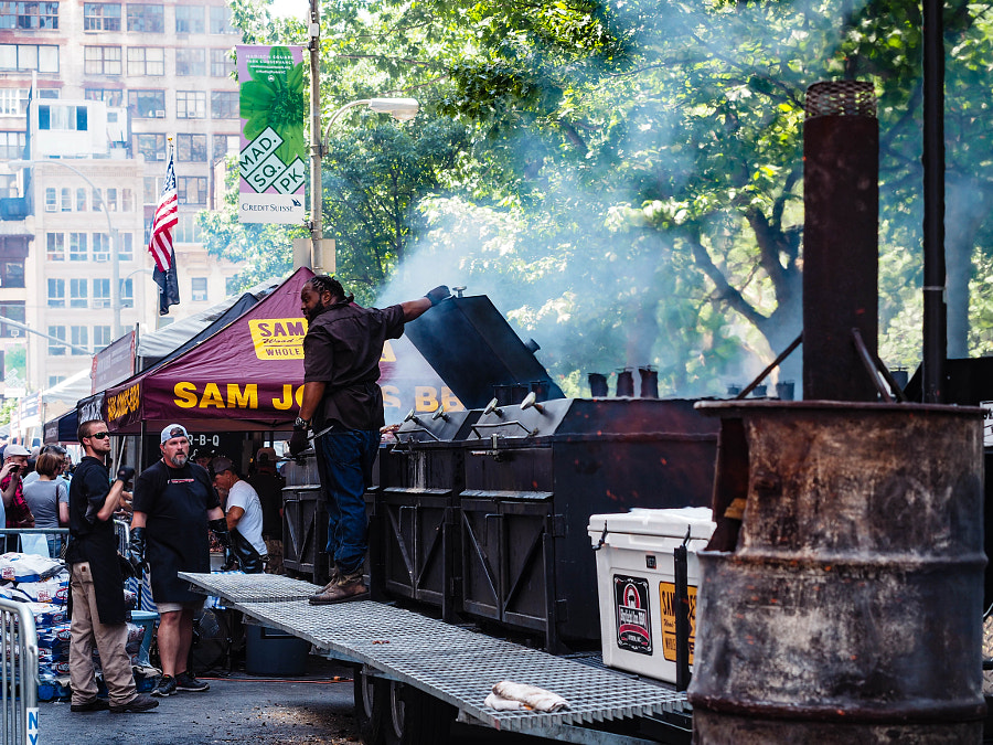 Sam Jones BBQ - Smoking up the Big Apple by Nancy Lundebjerg on 500px.com