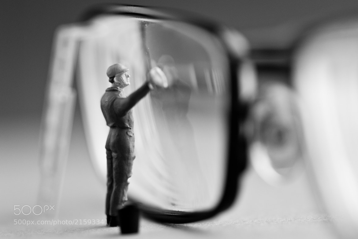 Photograph Lens Cleaner by Laurens Kaldeway on 500px