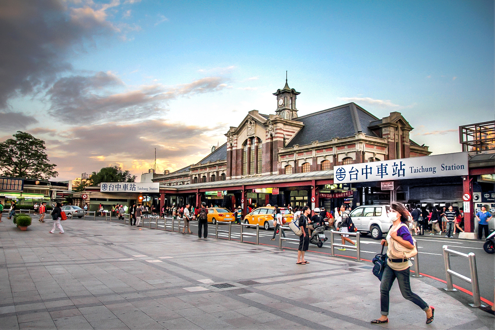 Photograph train station by 軒銘 劉 on 500px