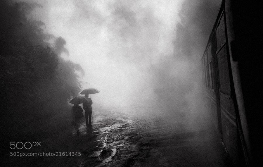 Photograph on the way | darjeeling by Soumya Bandyopadhyay on 500px