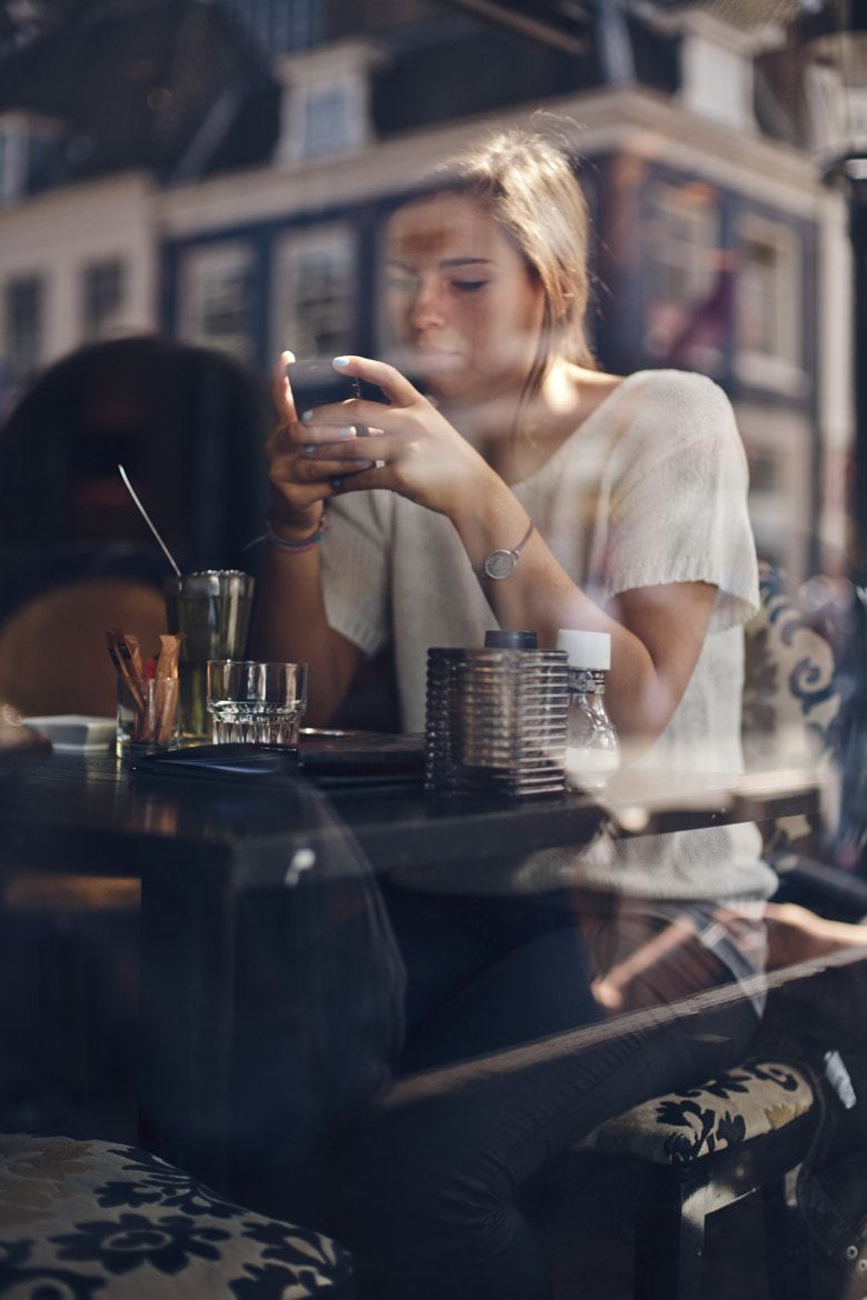 Photograph Girl in a Cafe by Artem Sapegin on 500px