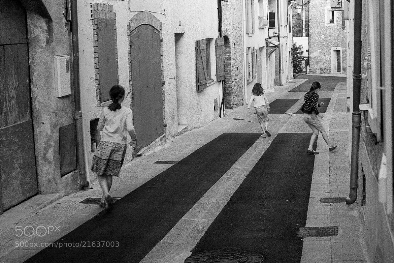 Photograph Playing Kids by Zoltán Istvánffy on 500px