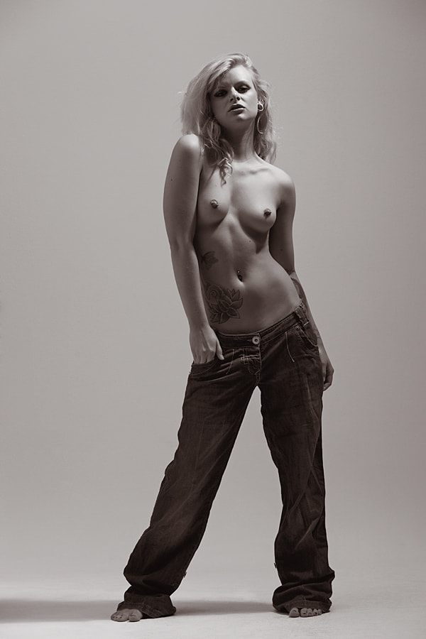 Photograph Notonix in Jeans by Donald Gibbs on 500px
