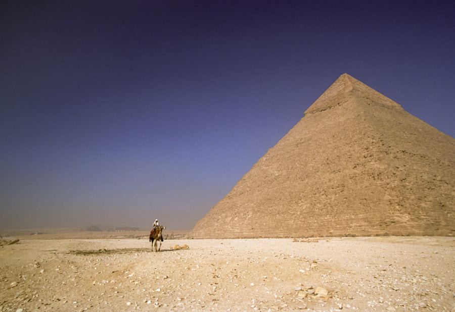 Pyramid of Khafre by Robert Downie on 500px.com