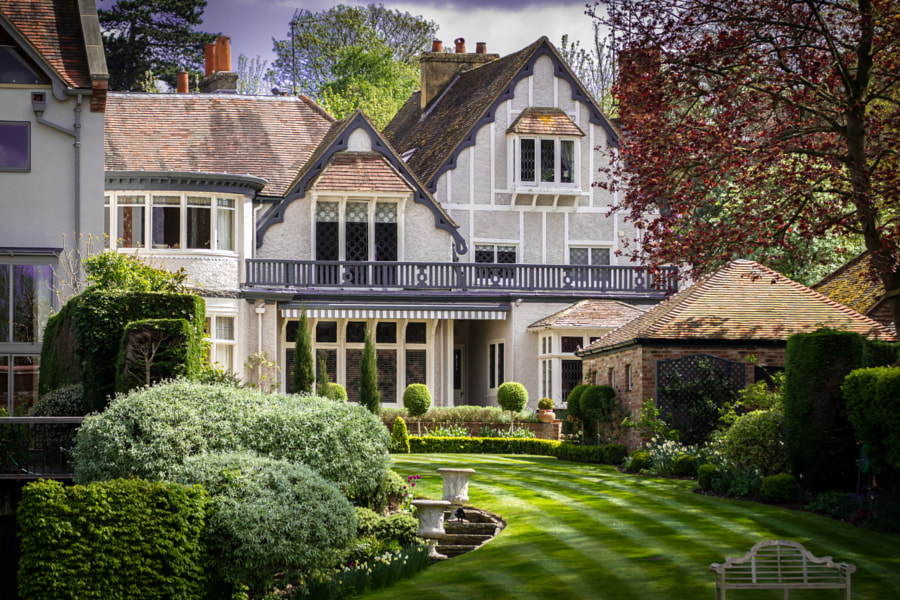 Beautiful English Home by Steve Dyke on 500px.com