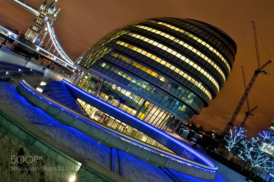 A night shot of London City Hall