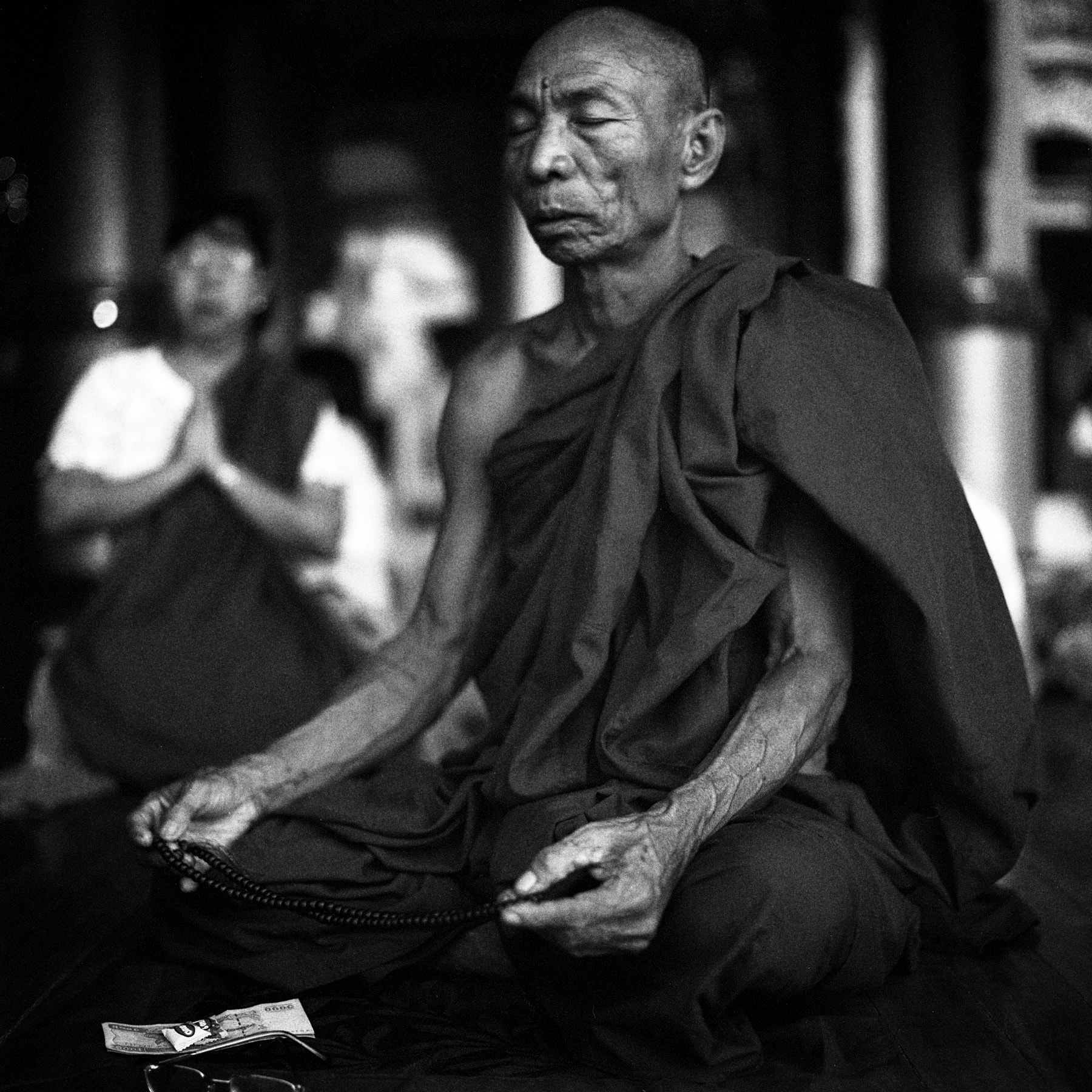 Photograph meditation, shwedagon zedi daw by  momofuku on 500px