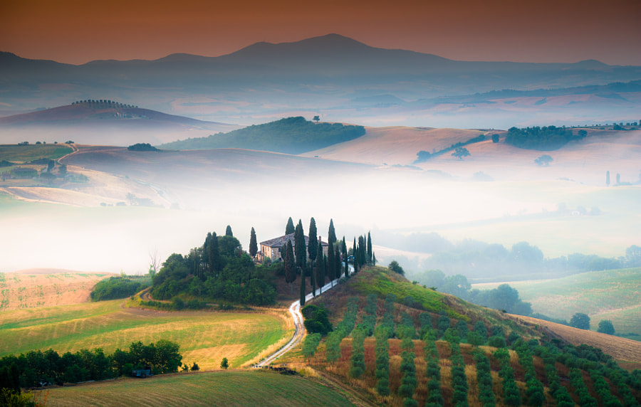 Sunrise at Val d'Orcia by Onur Cepheli on 500px.com
