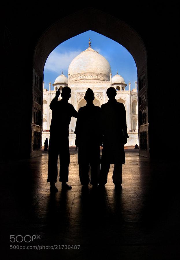 Taj Mahal and patrons.   Agra, Uttar Pradesh, India.