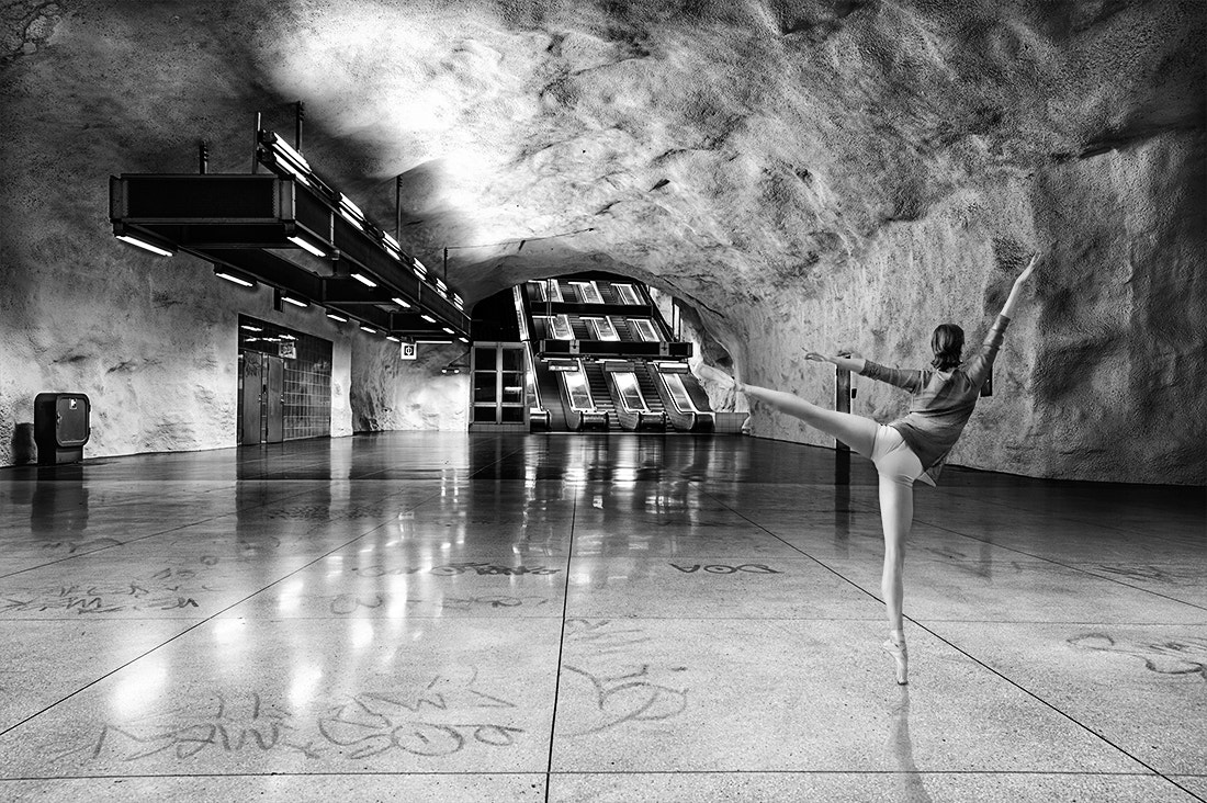 Photograph Subway Dancer II by pixeldreamer  on 500px