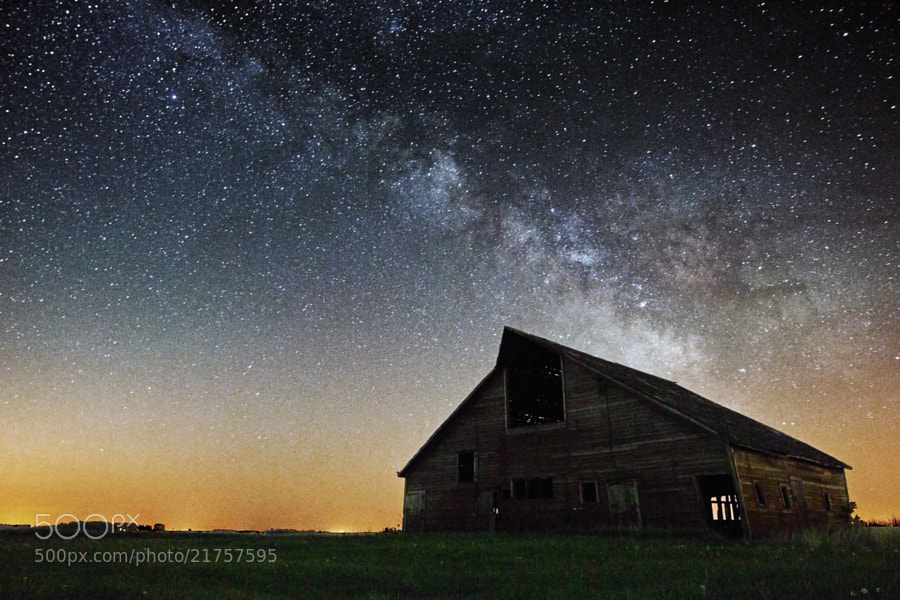 """Milky Way Stars shine bright over this old barn near Luverne, Minnesota.   1st of the """"Barn"""" series <a href=""""http://www.facebook.com/HomeGroenPhotography"""">www.facebook.com/HomeGroenPhotography</a>"""
