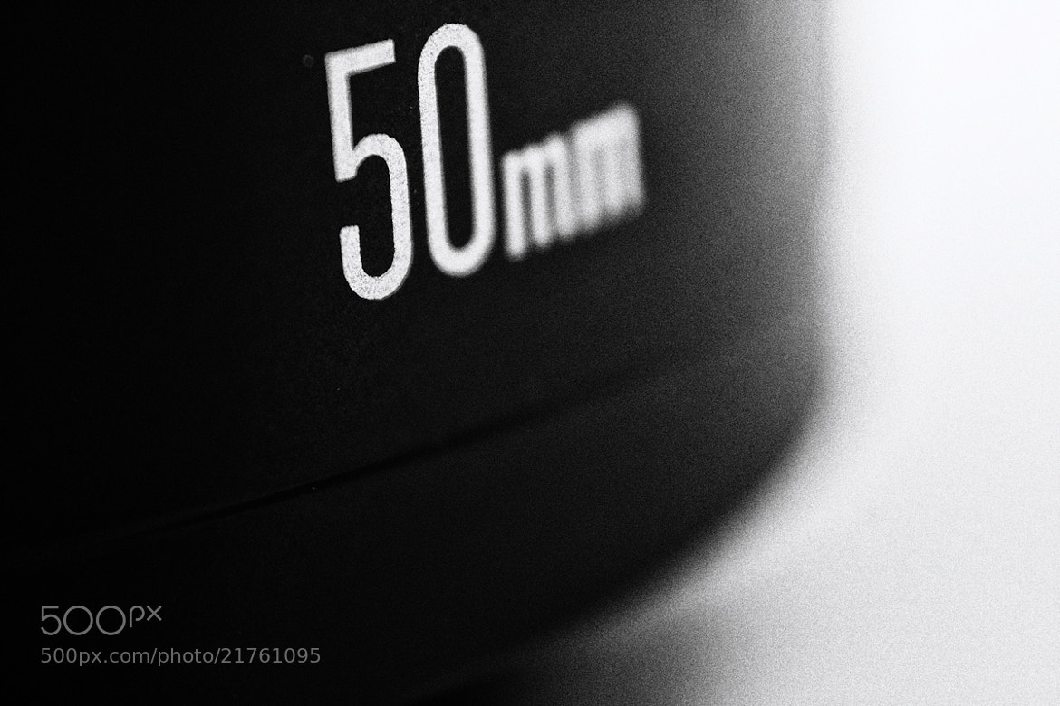 Photograph Macro Canon EF 50mm f/1.8 II by Andreas D. on 500px