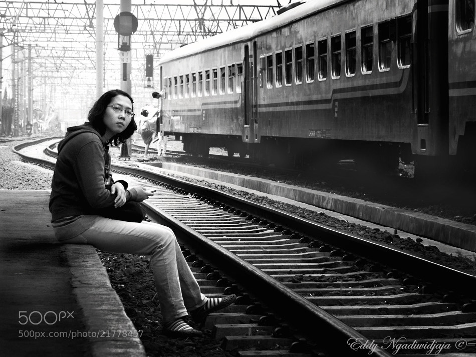Photograph waiting for someone by Eddy Ngadiwidjaya on 500px