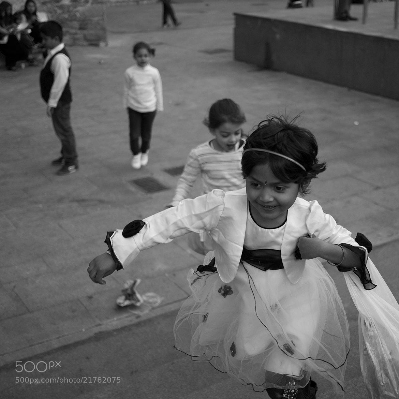 Photograph Running is play by Eduardo Páramo on 500px