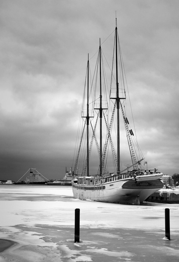 Wooden Ship Linden Mooring for Winter