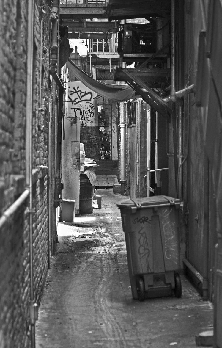 Photograph Urban Living in San Francisco - Chinatown Alley by Mark Hendrickson on 500px