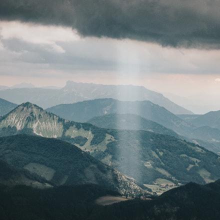 Spotlight on the beauty of Austrian Alps