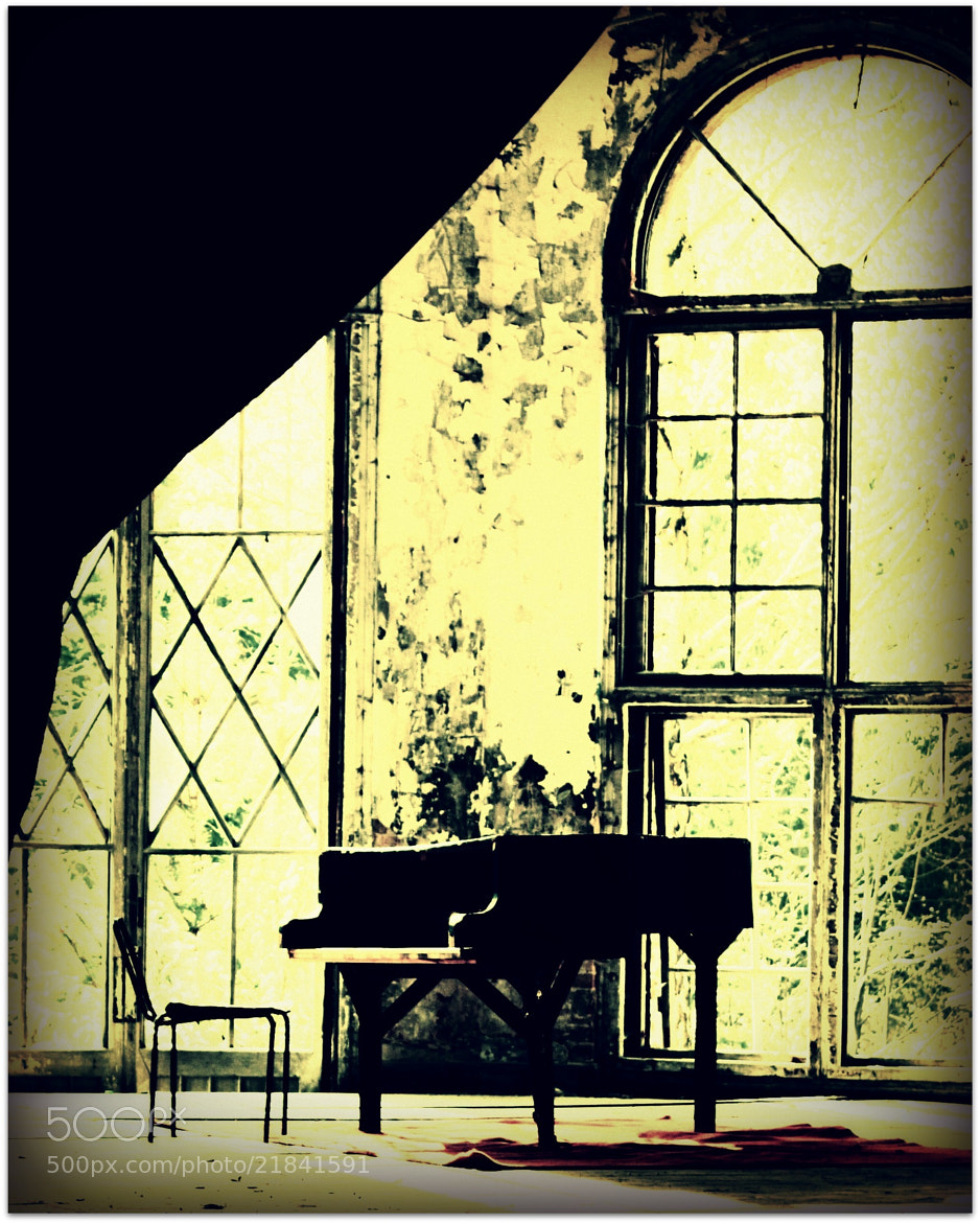 Photograph old piano by Maria Durand on 500px