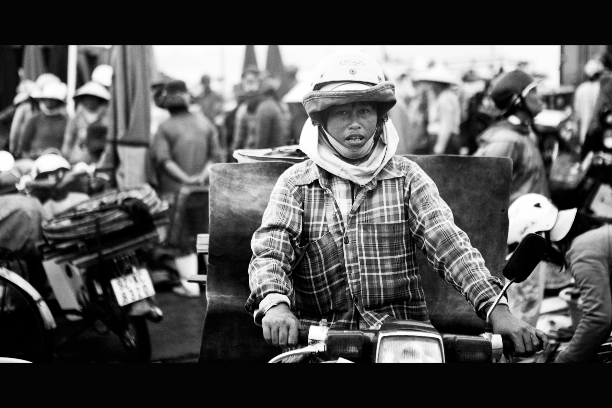 Photograph Scooters in Vietnam by Victor Borst on 500px