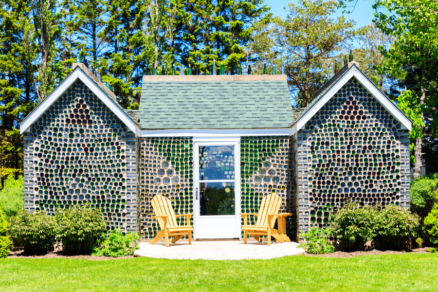 CDN-PRINCE EDWARD ISLAND-Cap Egmont-The Bottle House-Les Maisons de bouteilles by Thomas H. Mitchell on 500px.com