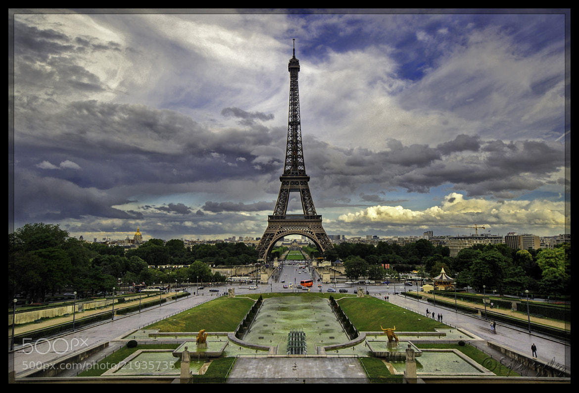 Photograph Eiffel tower after the rain by Paco López on 500px