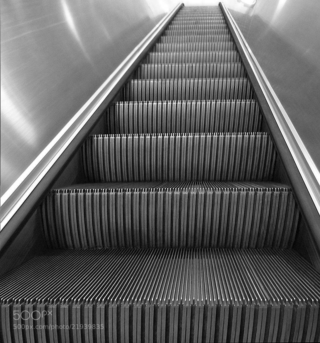 Photograph where stairs have no name by Francisco Marty on 500px
