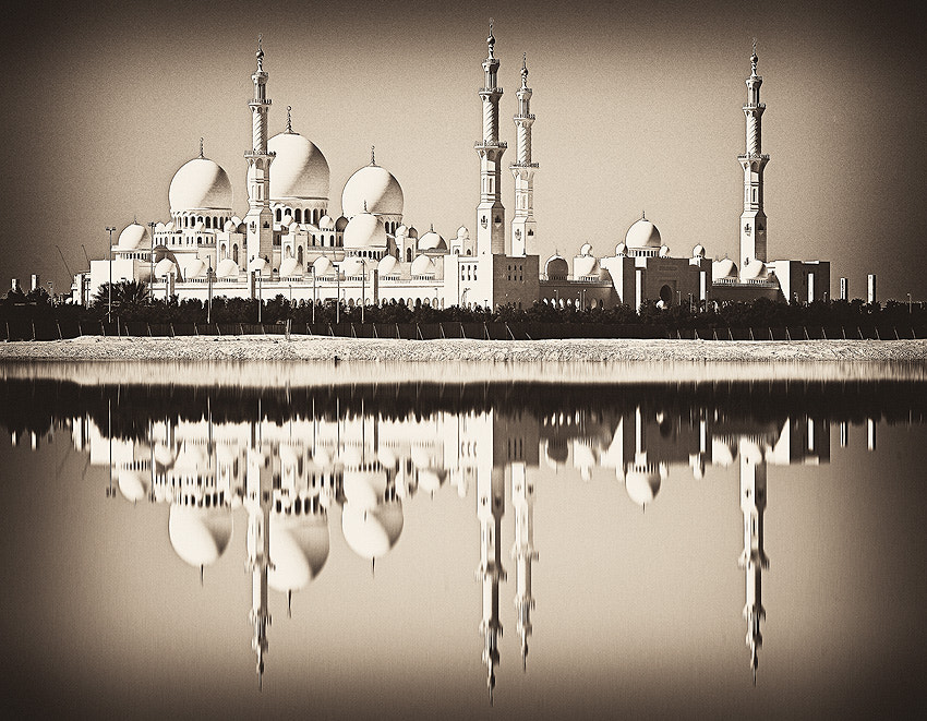 Photograph Grand Mosque, Abu Dhabi by Dennis Guichard on 500px