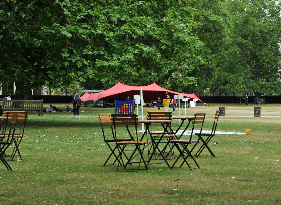 Summer in London, Grosvenor Square by Sandra on 500px.com