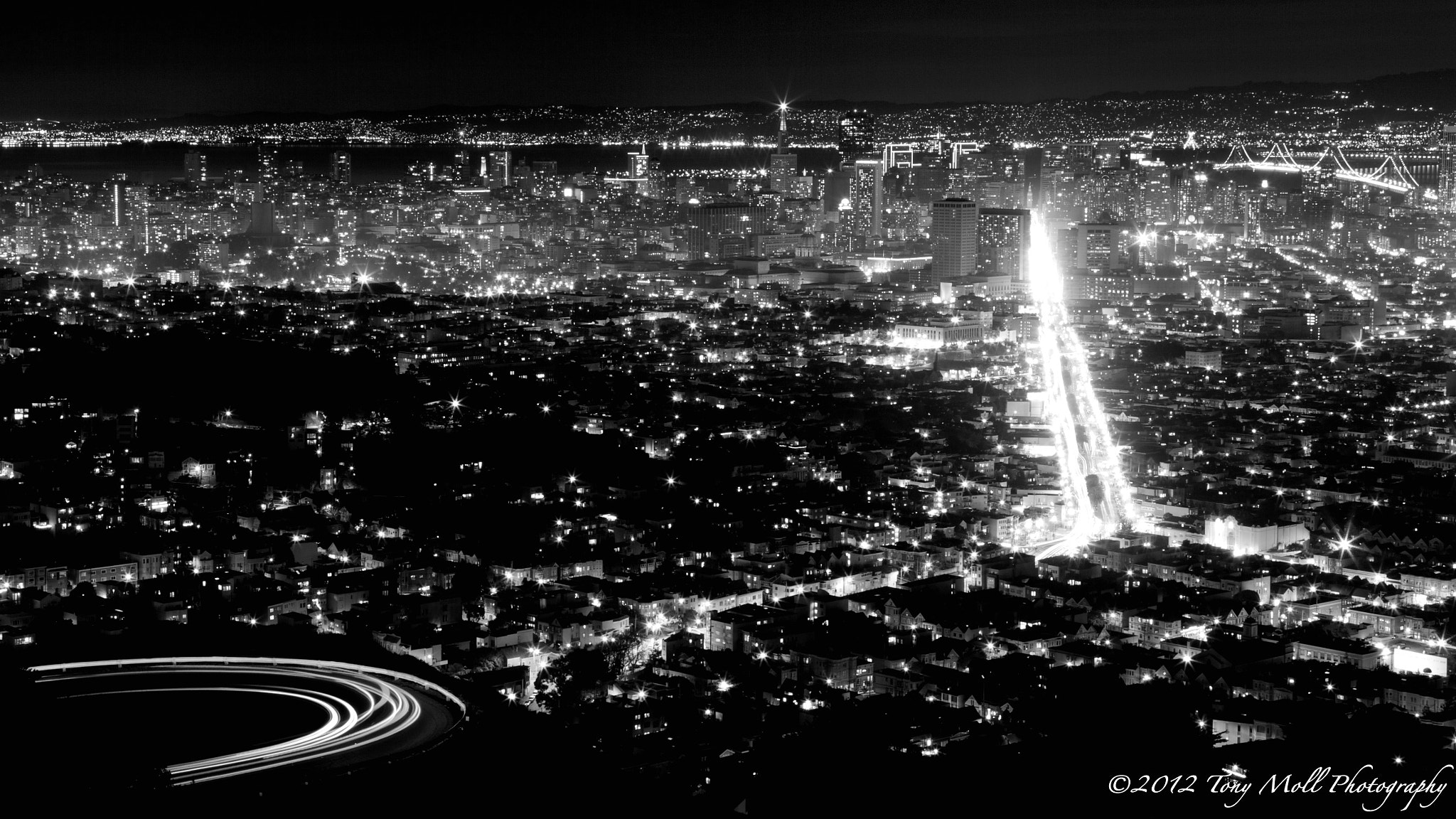 Photograph The City by Tony Moll on 500px